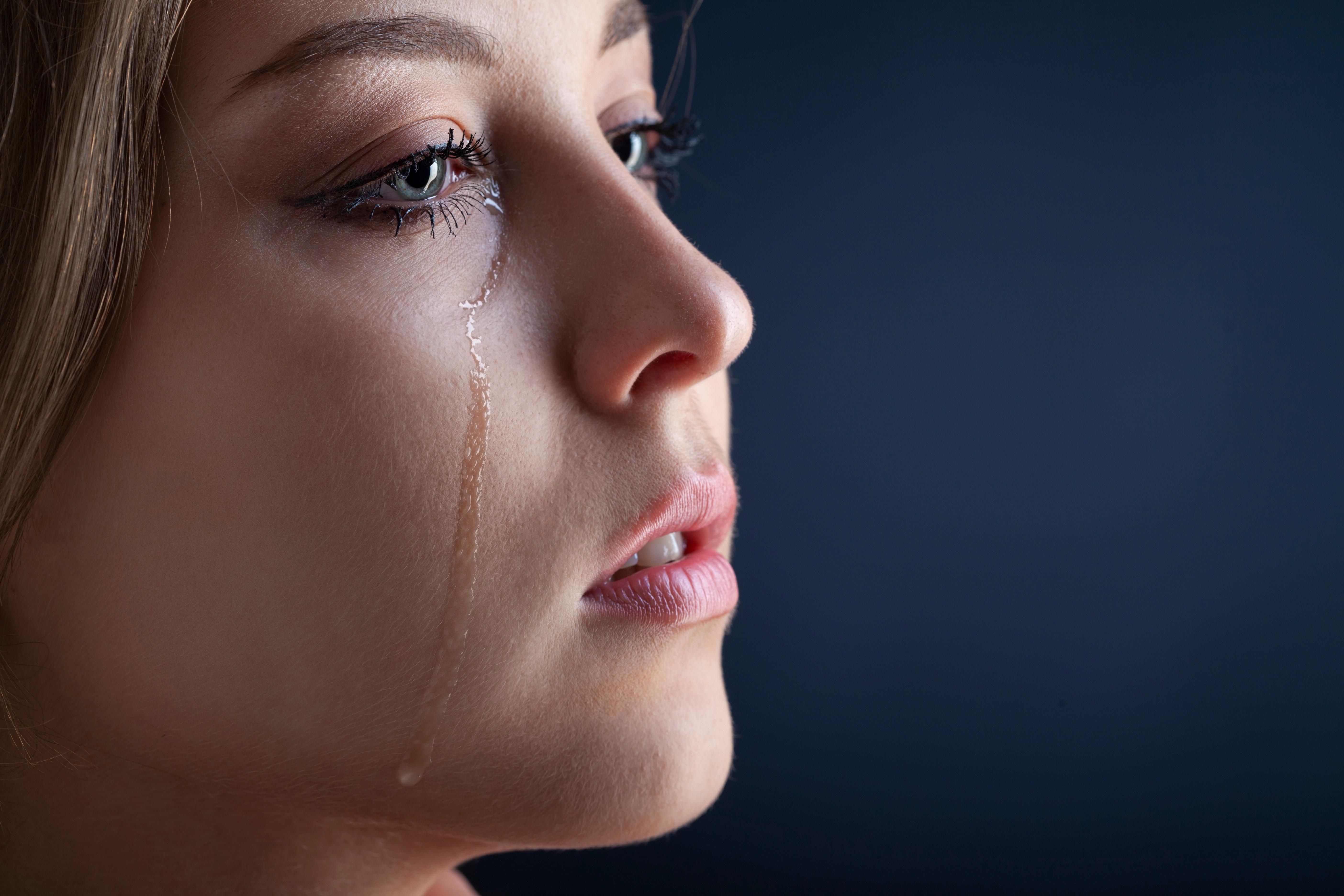 泣き虫を治す方法とは?すぐ泣いてしまう大人の泣き虫を治したい!