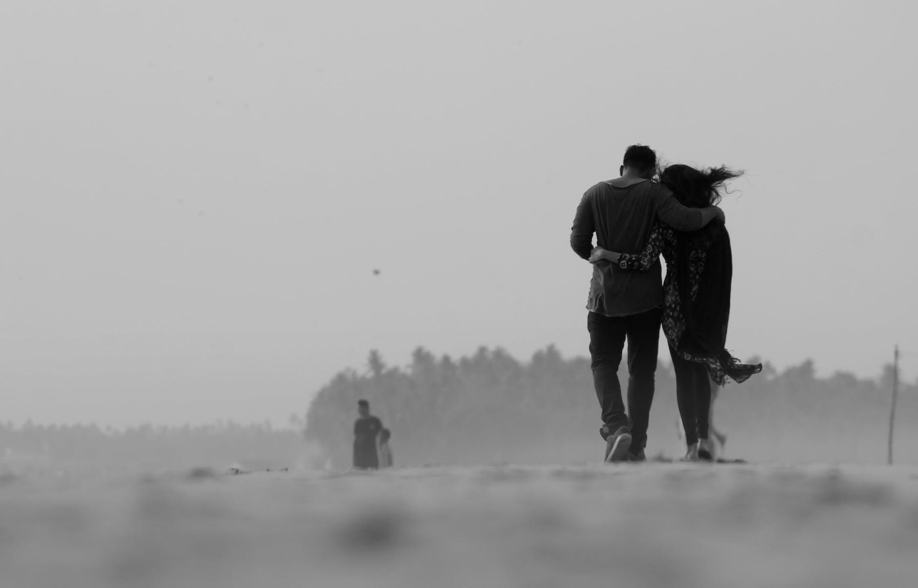 複数恋愛のメリットと、一人の異性に全てを求める5つのリスク