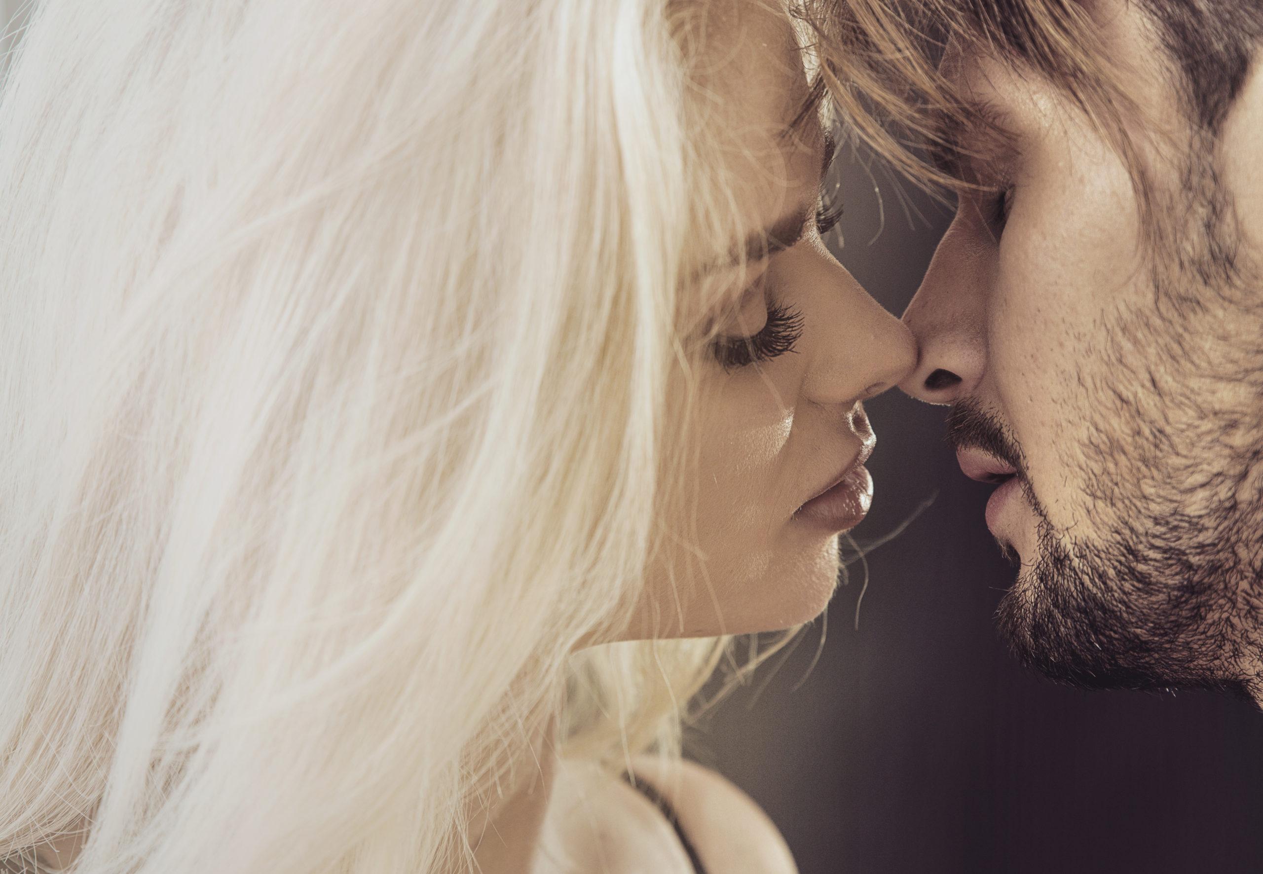 彼氏より性欲が強い…性欲が強い女性の原因は?上手に付き合う方法