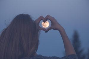 新月に願い事をすれば復縁は叶う?あの人と復縁をしたいなら?