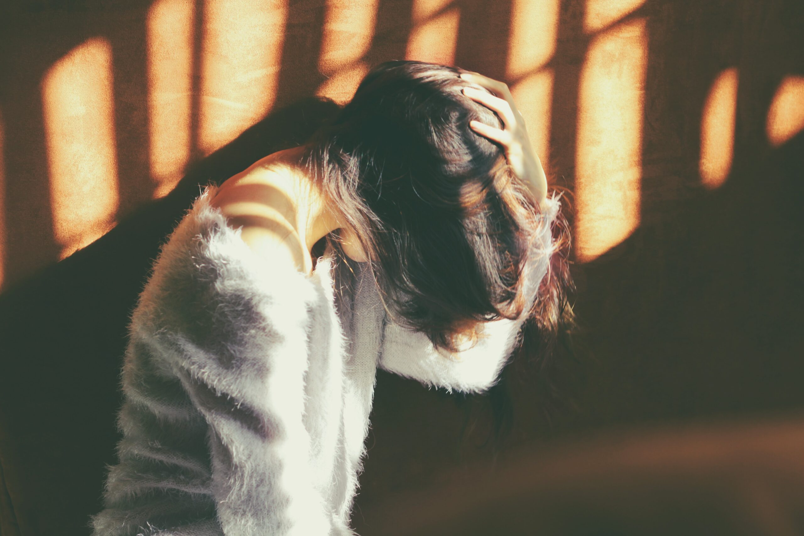 頭痛のスピリチュアル的な意味は?よく頭痛が起きる人の原因とメッセージ